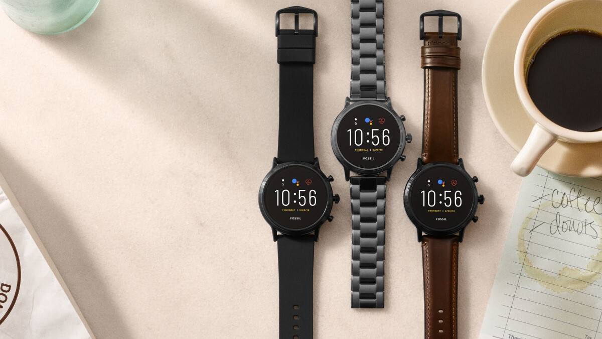 Fossil might be the only company with the vision to challenge Apple in the smartwatch market