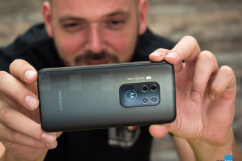 Quad-camera Motorola One Zoom drops to an irresistible price of $360 already