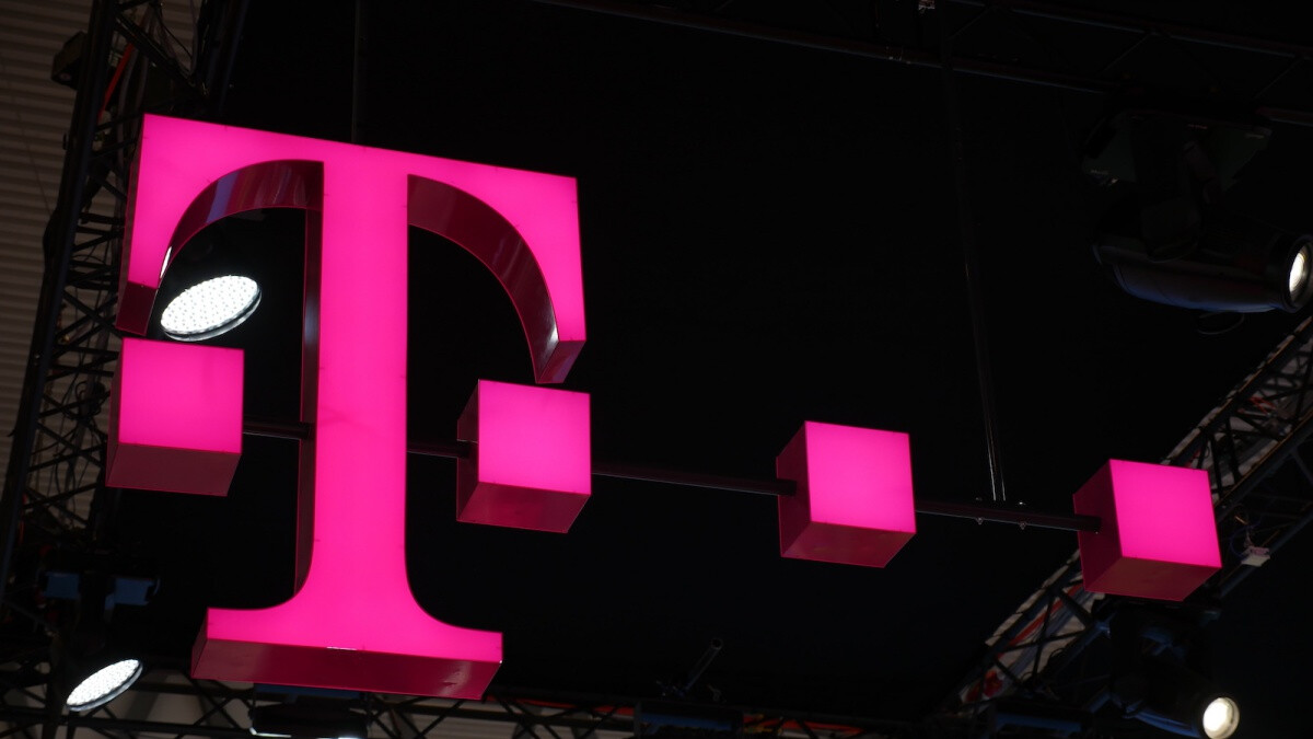 T-Mobile/Sprint merger has the FCC's formal approval now, but it's still not a done deal