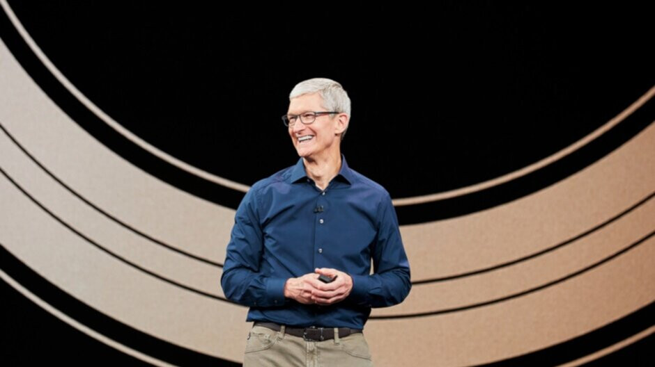 Apple CEO Tim Cook earns praise for the company's success