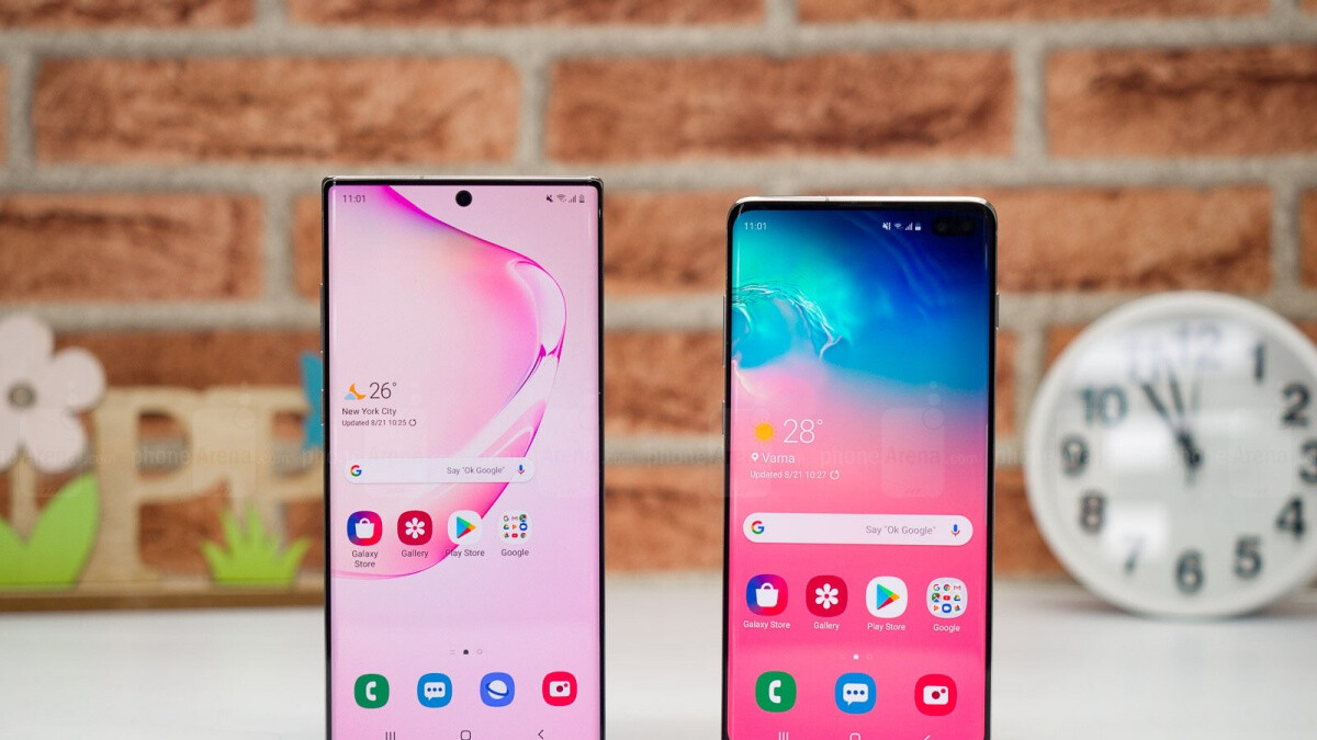 Early Black Friday deal bundles Galaxy S10 and Note 10 devices with $450 worth of gifts