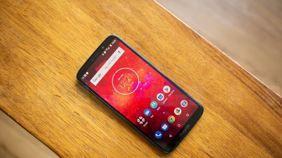 Score an unlocked Moto Z3 Play for record-low prices, no strings attached