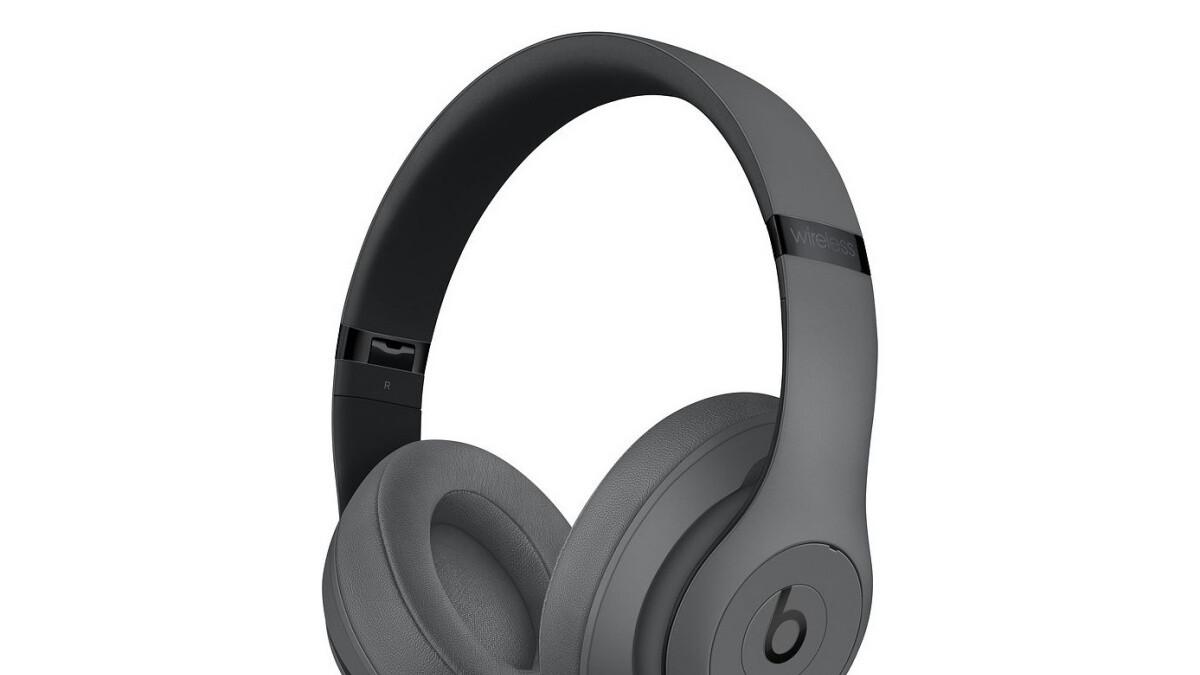Fresh doorbuster deal brings Beats Studio3 wireless headphones down to $200