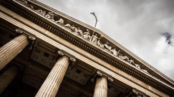 Court tosses $503 million judgment against Apple