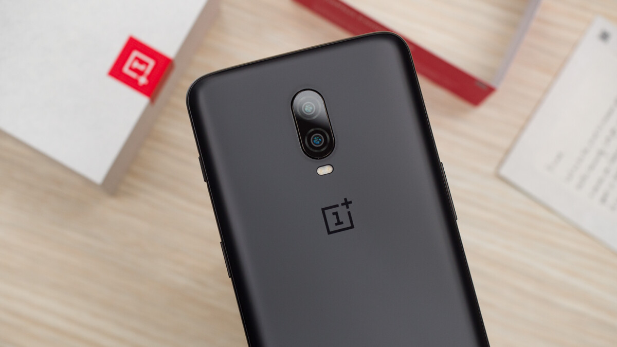 The OnePlus 6T with a 2-year warranty and 8GB of RAM is 25% off today only