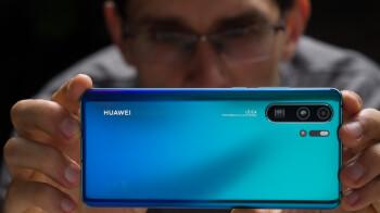 Huawei's still hopeful it can overtake Samsung despite trade ban