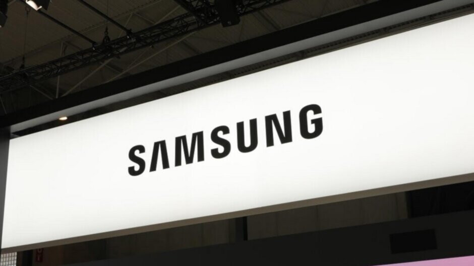 Samsung, Huawei and Apple remained the top three smartphone manufacturers last quarter