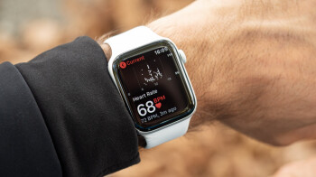Amazon offers top Black Friday deals on half a dozen Apple Watch Series 5 models