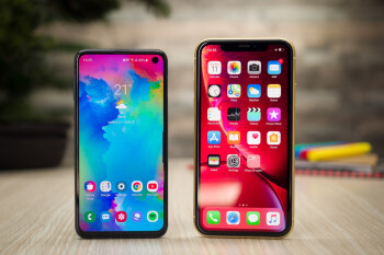AT&T has both the iPhone XR and Galaxy S10e on sale at low prices for value flagship lovers