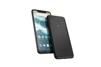 Motorola begins its first stable Android 10 update for a surprisingly old mid-ranger
