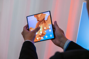 Faster and more durable foldable Huawei Mate Xs to debut at MWC 2020