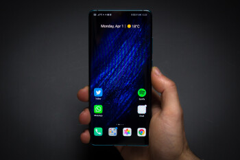 Huawei now expects to sell 230 million phones by the end of 2019