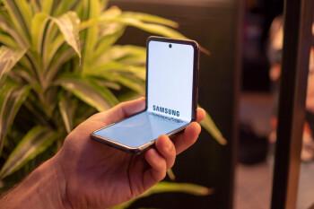 Samsung Galaxy Z Flip vs Motorola Razr: Specs, size, features, and price comparison