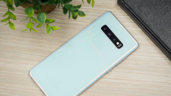 Hurry-and-get-the-unlocked-Galaxy-S10-at-an-all-time-high-discount-on-Amazon.jpg