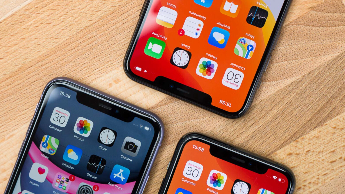 Apple reports strong iPhone sales for the holiday quarter