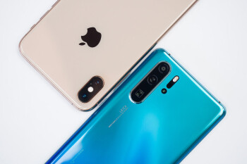 Huawei stays strong in China as Apple tumbles and market shrinks