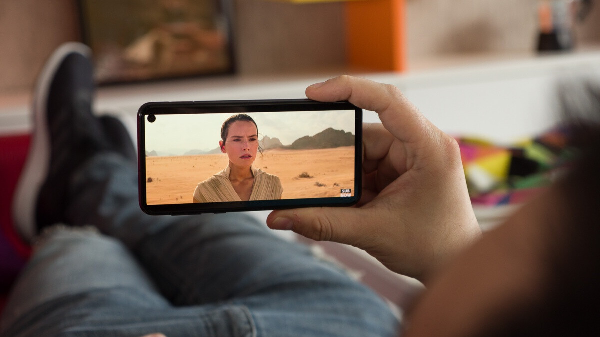 The perfect Valentine's Day gift? How about a free Galaxy S10e from AT&T?