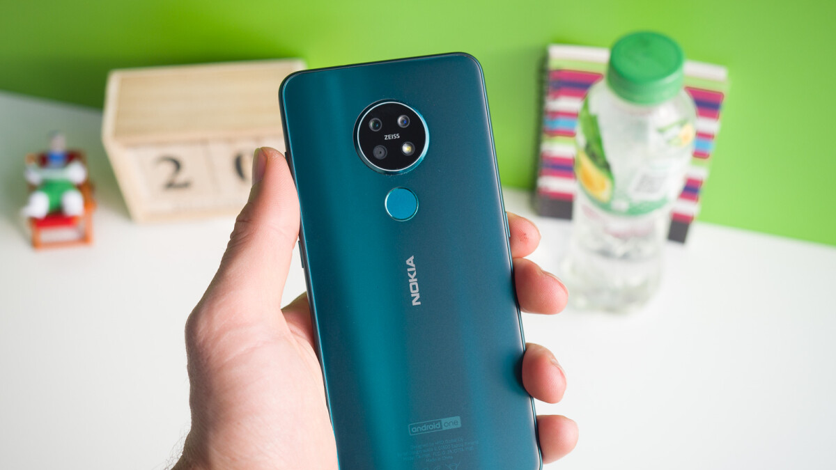 Nokia smartphone shipments nosedived last year