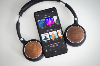 Spotify hits nearly 125 million subscribers, acquires major podcast company