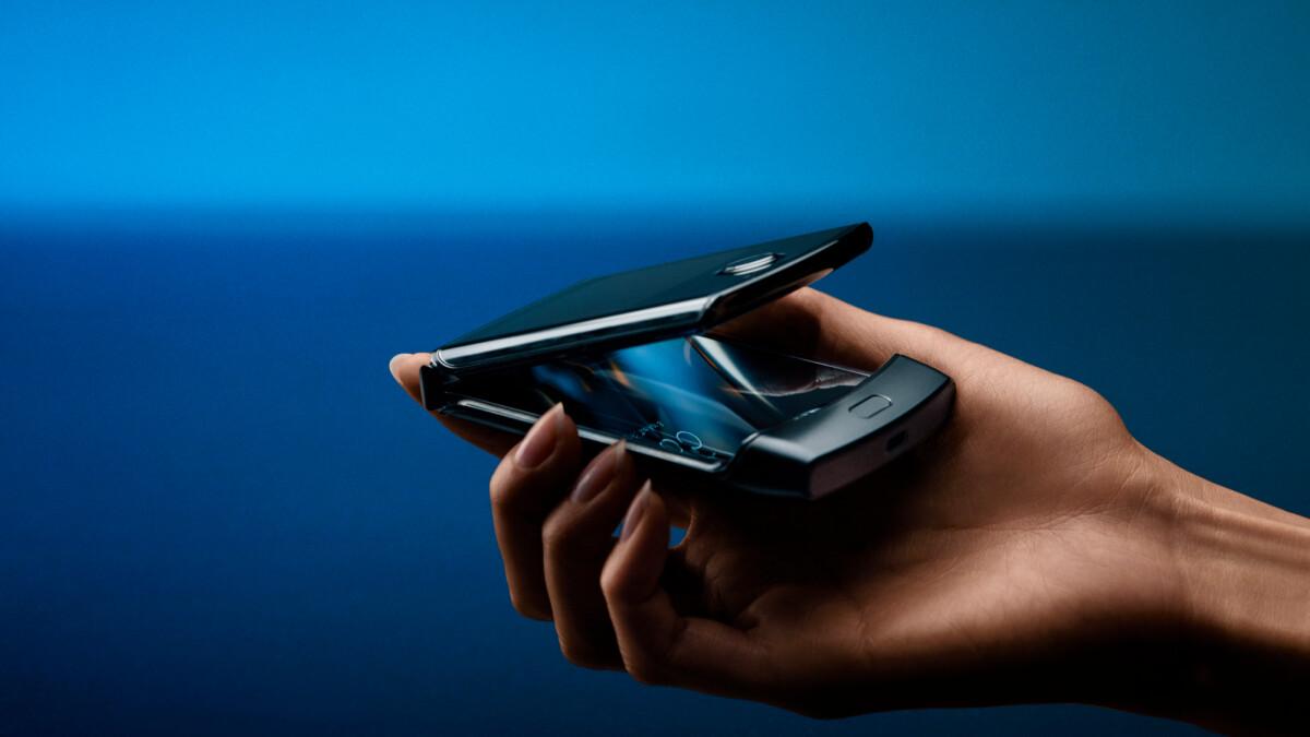 Motorola Razr fails folding durability test earlier than expected