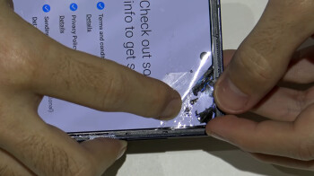 Heres-why-Galaxy-Z-Flips-folding-glass-display-cover-is-still-protected-by-a-plastic-film.jpg