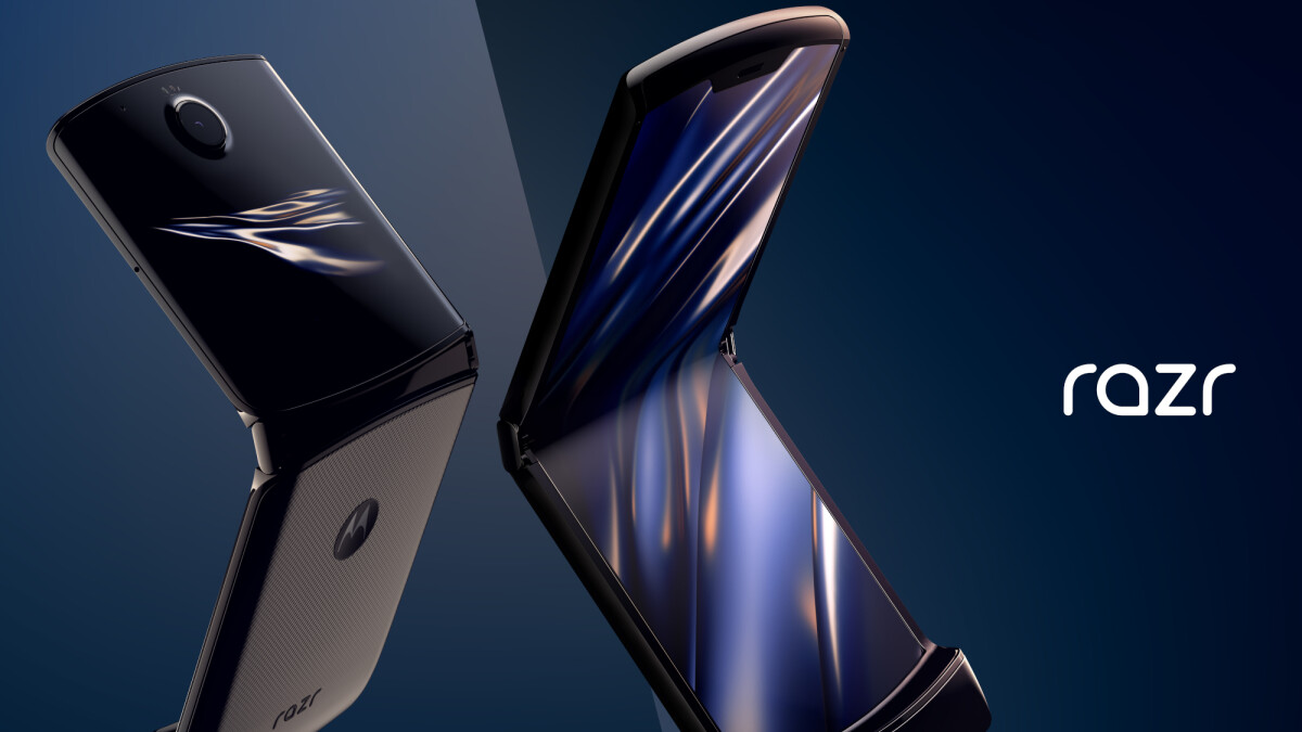 Foldable display breaking saga continues: Moto Razr's turn