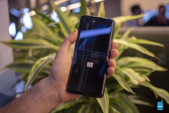 Galaxy Z Flip teardown puts a spotlight on 'glasstic' display, poor repairability, and a major flaw