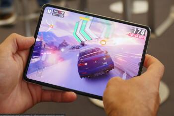 Galaxy Fold 2 will sport an S Pen and bendy glass, but not Samsung's best camera