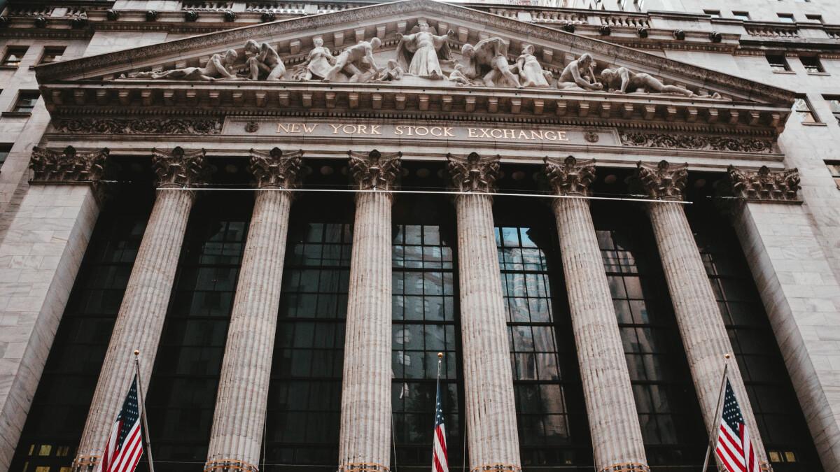 Trading app goes down costing its customers big bucks