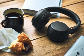 These Sony headphones cost less than $100 on Amazon