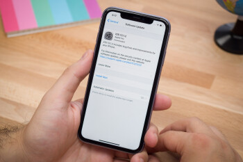 Months-old bug in iOS 13 remains unfixed, keeps draining users' mobile data