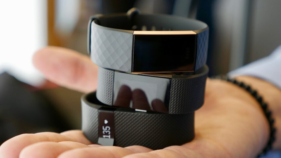 Fitbit Charge 4 leaks along with price and available colors