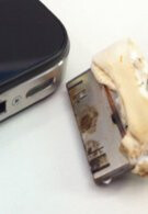 iPhone 4's USB port catches on fire and subsequently melts cable