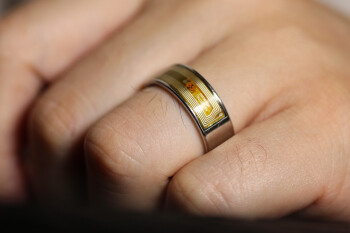 Medical workers are using smart rings to track first signs of coronavirus