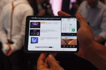 Samsung's groundbreaking Galaxy Fold is now receiving its belated Android 10 update