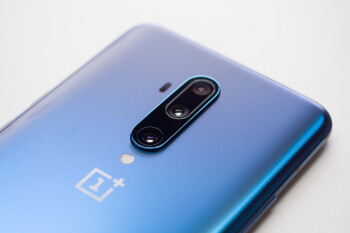 OnePlus offers extended warranty and device support amidst coronavirus containment