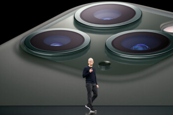 """Has Apple CEO Tim Cook successfully been """"playing"""" the president?"""