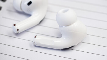 Customizable over-ear Apple headphones coming soon with swappable parts
