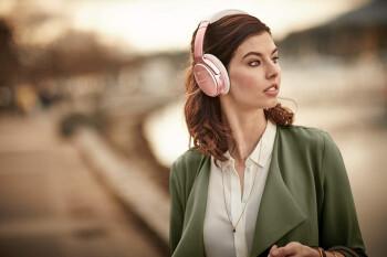 Bose's premium noise-canceling headphones are 30% off on Amazon