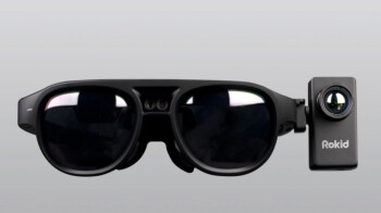 These smart glasses fight COVID-19 by measuring other peoples' temperatures