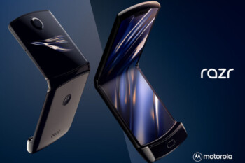 Update to Android 10 brings new capabilities to the Motorola razr's external display