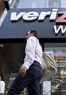 Verizon adds more new contract customers than AT&T during Q2