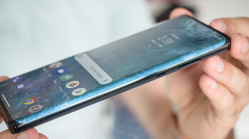 Some Motorola Edge+ owners are reporting nasty display defects