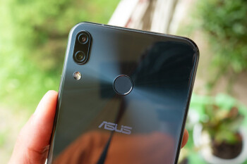 Asus-next-generation-Zenfone-flagships-tipped-to-boast-flip-cameras.jpg