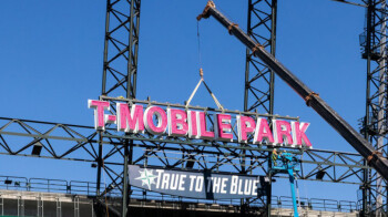 T-Mobile puts you right on the field (virtually) for MLB's Summer Camp