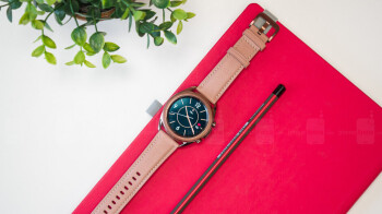 Videos show how to change the watch face and check your blood pressure on the GalaxyWatch 3