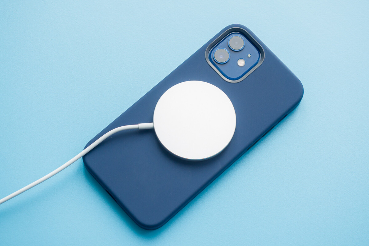 Apple Iphone 12 Pro 18w Vs 20w Vs 5w Vs Magsafe Adapter Charging Speeds Phonearena