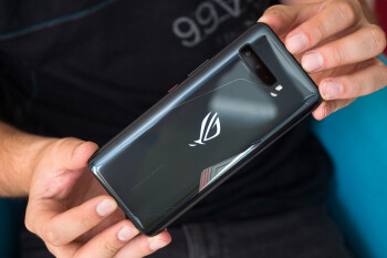 Mobile gamers, rejoice: the Asus ROG Phone 3 5G beast is shipping in the US at last