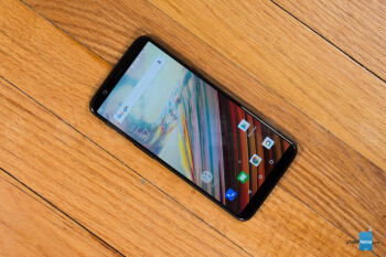 Update to OnePlus 5 rolls out returning a key feature to the camera