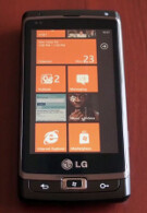 Internet Explorer on Windows Phone 7 pitted against Safari and Froyo browser on video